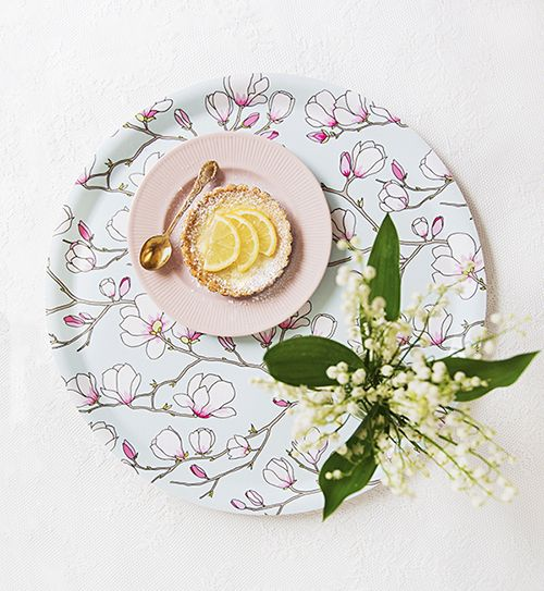 Magnolia Blue Round Serving Tray. Photo credit: Sofia Byström