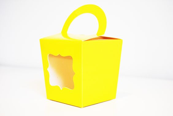 Lemoni fancy tote box {cupcake box} from candy soirees partyware