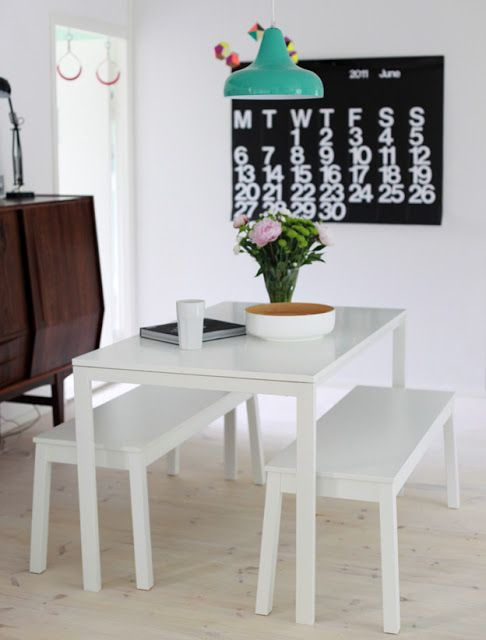 Ikea 39 melltorp 39 dining table 39 sigurd 39 benches it 39 s all for Table 6 personnes ikea