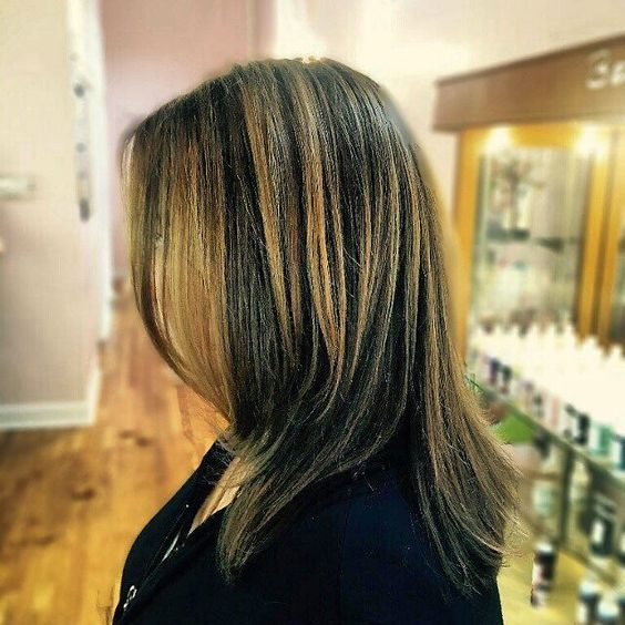 Transitioning from a bright summer #balayage to a deeper richer chocolate foundation with a few pops of the existing brighter shade. By @hairbyec  #nashvillestylist #nashvillehair #iamgoldwell #trimlegendarybeauty #12thsouth #haircolor