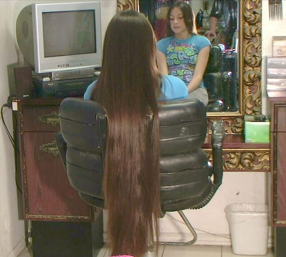 how to cut very long hair at home