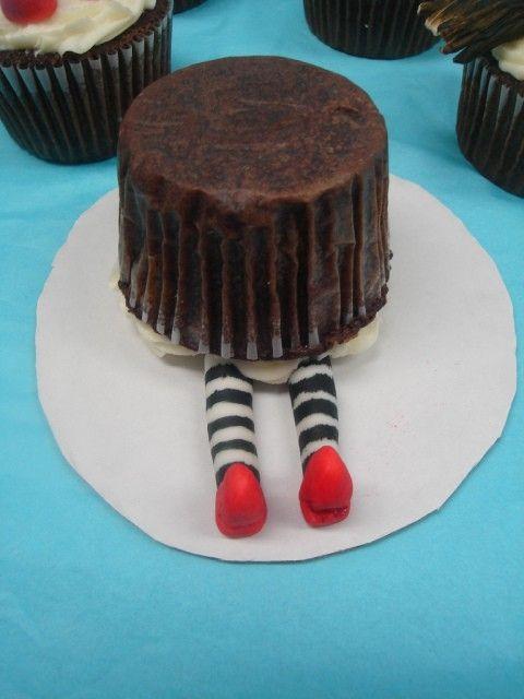 The witch was smashed by a... cupcake? #wizardofoz #cuteideas
