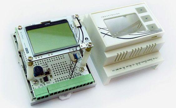 Industruino es una placa Arduino modificada para utilizar en diseños industriales o en la industria directamente sin realizar prototipos. El precio es alto.
