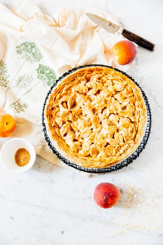 pineapple and peach pie