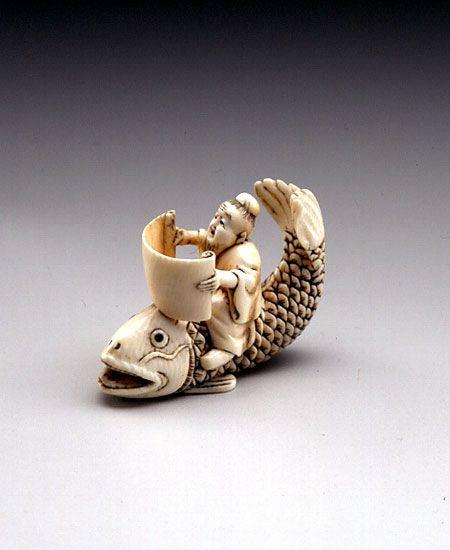 Кинко Сеннин на карпе, 19-й век, слоновая кость, (3.3см)