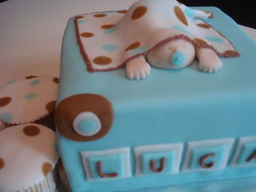 pastel de fondant para baby shower cupcakes yummie baby shower
