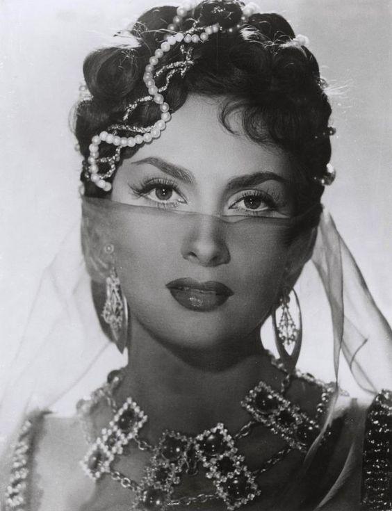 Gina Lollobrigida: