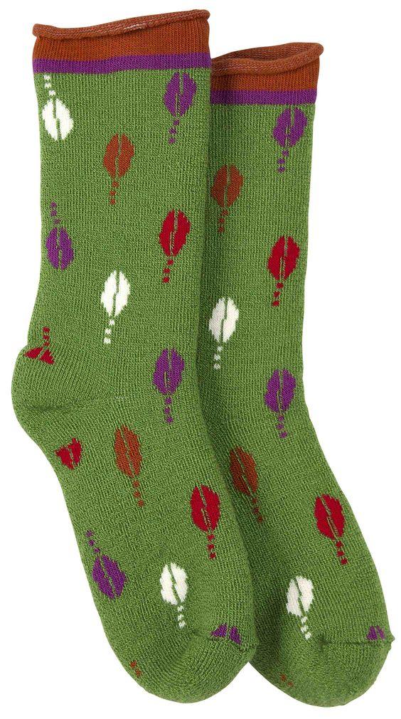 Weihnachten 2014 - Skandinavische Naturmode für die Füße: Weiche Frotteesocken in drei verschiedenen bunten Mustern, jeweils mit Rollkante in frechen Kontrastfarben.