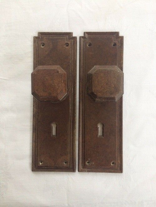 Best Price 46 72 Pair Of Vintage 1930s Art Deco Brown Bakelite Door Handles And Plates Architectur 1930s Art Deco Art Deco Door Antique Architectural Salvage