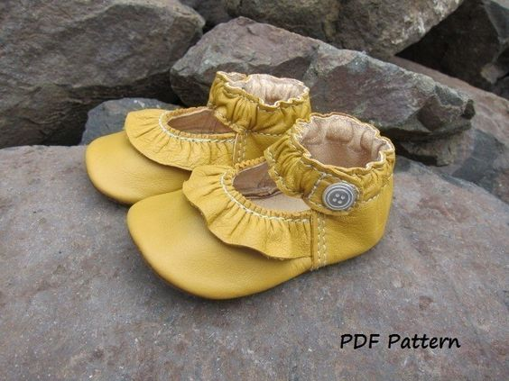 Baby Shoe Pattern Ruffled MaryJane Shoes PDF Sewing Pattern with tutorial. $8,00, via Etsy.