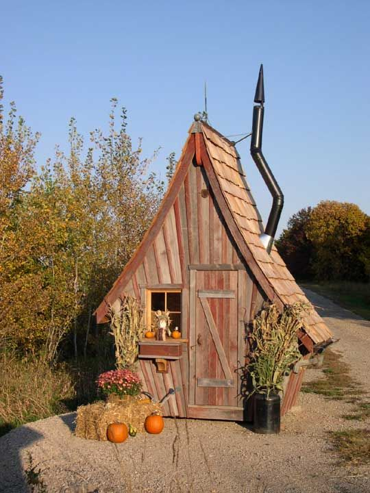 Designer garden sheds by The Rustic Way.
