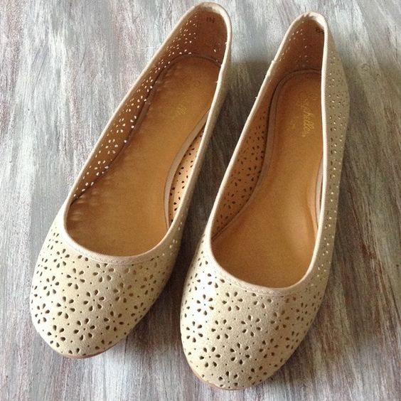 HP Anthro Gold Metallic Leather Ballet Flats NIB Seychelles for Anthropologie leather gold metallic ballet flats with laser cut pattern. Super cute! Brand new in the box! Totally sold out online and in stores! Anthropologie Shoes Flats & Loafers