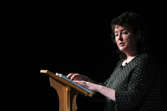 carol ann duffy valentine critical analysis