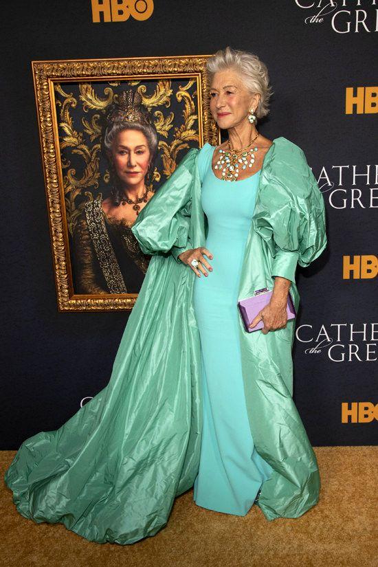 Helen Mirren In Badgley Mischka At Hbo S Catherine The Great Los Angeles Premiere Helen Mirren Badgley Mischka Gowns Badgley Mischka