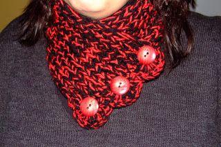 evacrea: Cuello de lana con botones.