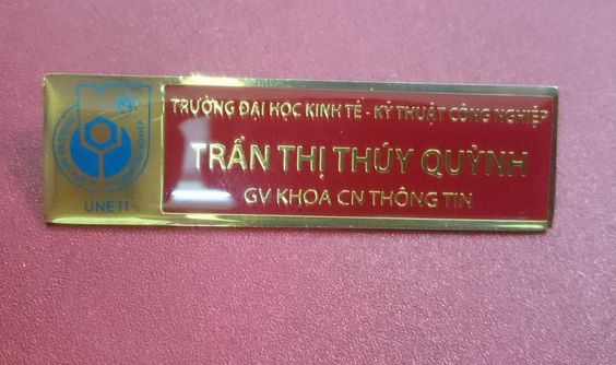 thẻ nhân viên đồng mạ vàng đại học kinh tế kỹ thuật công nghiệp