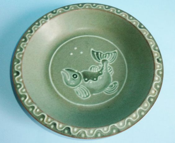 Crow Valley Pottery Green Fish Pie Plate or Serving Bowl Made on Orcas Island, Washington USA by AnEclecticEccentrica