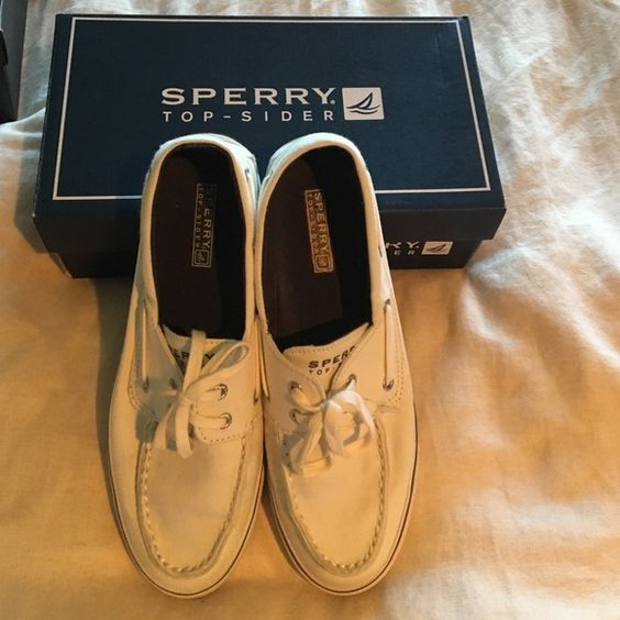 Sperry Boat shoes White canvas Sperry boat shoes, size 8.5 in very good condition, original box. Sperry Top-Sider Shoes Flats & Loafers