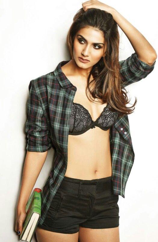 Vani kapoor in maxim hd | Bollywood girls of heaven | Pinterest ...