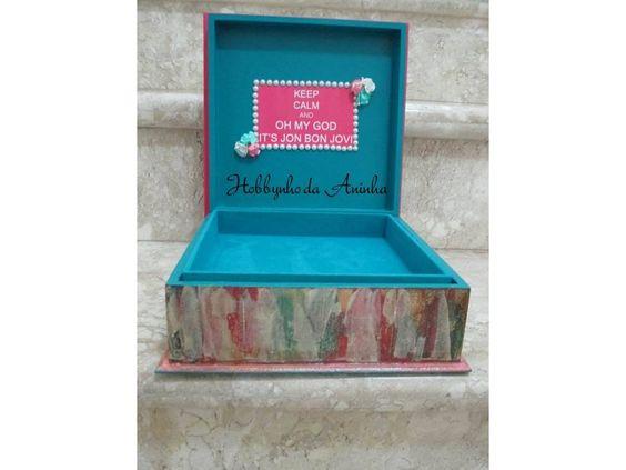 Caixa de jóias. (decoração no interior da tampa)