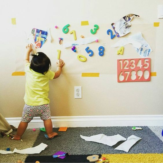 STICKY WALL   For those of you who were enamored with our recyclables puzzle yesterday, check this idea out from my friend Priscilla at @playingwithchanel! This was perfect for her 17 month old daughter, but even my 2 and 3 year olds would ❤ it! Head over and follow Priscilla for more fun ideas! Not familiar with contact paper? Click the link in my profile to see/buy it on Amazon. It's a a great kid's activity supply!