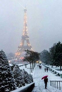 Neige Et Brume Sur Trocadero Paris Beautiful Paris Paris Winter Trocadero Paris