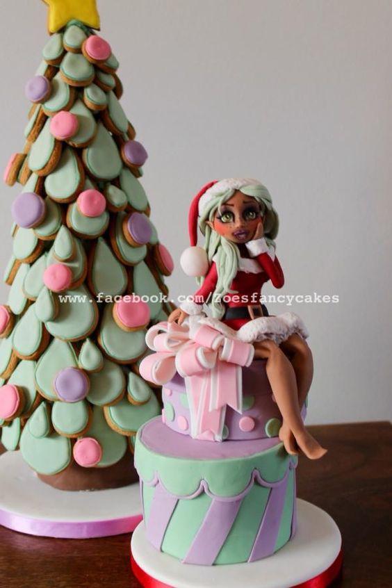 Santas elf cake - Cake by Zoe's Fancy Cakes