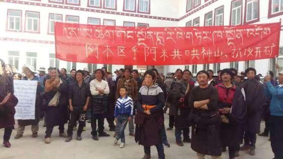 Demonstranten auf der lokalen Regierungsbüro in Kreis Sangchu