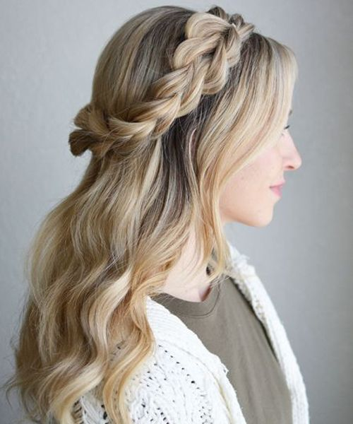 Delicate Rope Braided Crown On Long Wavy Hairstyles To Mesmerize Anyone Trendy Hairstyles Braided Crown Hairstyles Stylish Hair Braided Hairstyles