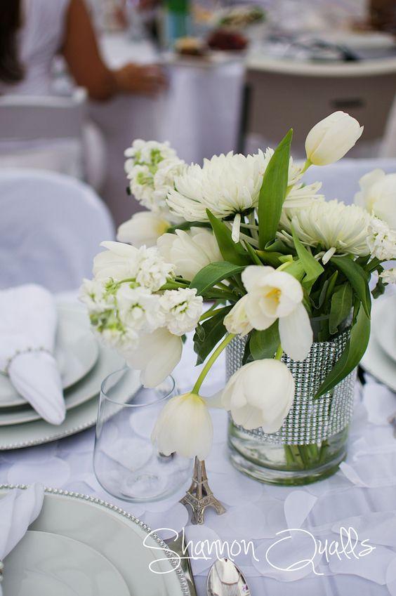 Diner en Blanc Tabletop Florals from shannonqualls.com: