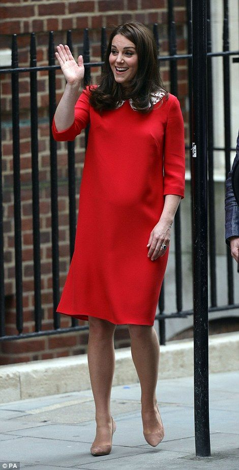 Kate was seen waving to adoring crowds before driving home from hospital with her third ba... #katemiddleton