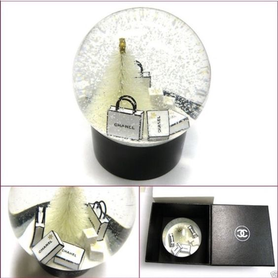 Chanel snow glob Brand new whit box CHANEL Accessories