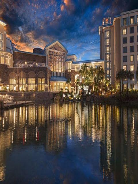 Universal S Loews Sapphire Falls Resort Resort Green Girls Rooms Best Hotels In Vegas