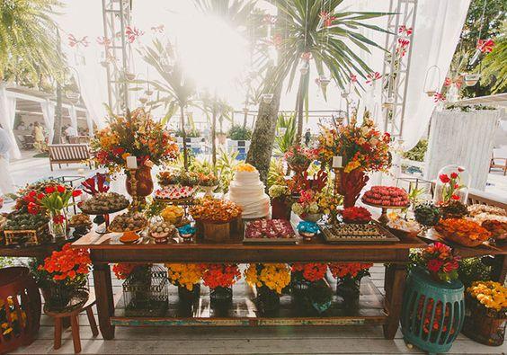 Decoração de casamento Estilo rústico chique dá charme à mesa de