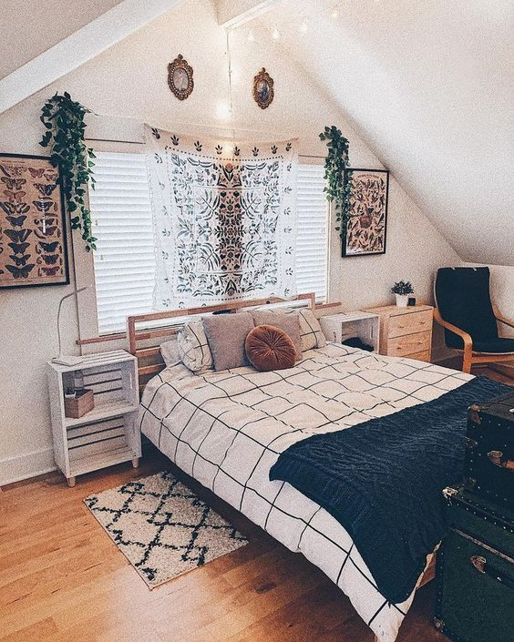 How To Make A Cozy Bedroom Small Ideas With You 2020 In 2020 With Images Aesthetic Room Decor Aesthetic Bedroom Bedroom Design