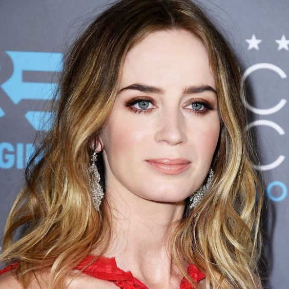 Get Emily Blunt's Gorgeous Makeup Look | The Zoe Report