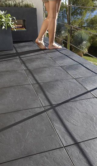 Sol terrasse 20 beaux carrelages pour une terrasse for Carrelage sans colle leroy merlin