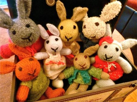 Les Petits knitted toys: Band of bunnies