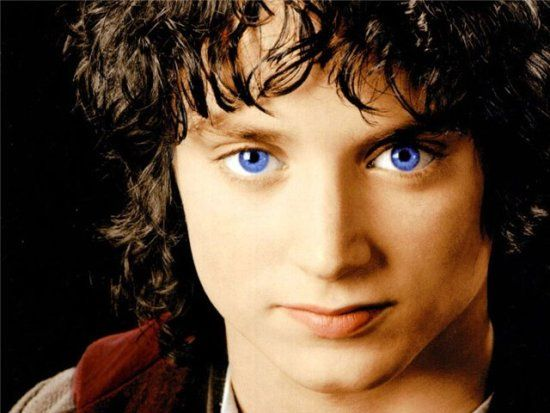 Dear Followers, I am very not sorry for all these adorable pictures of Frodo Baggins/Elijah Jordan Wood.-flowerwavee (or Leah)