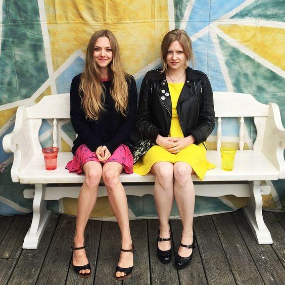 Amanda Seyfried with her older sister Jennifer   Two ...