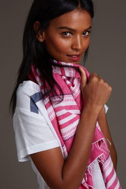 トップモデル、リヤ・ケベデに旅の必需品をASK!