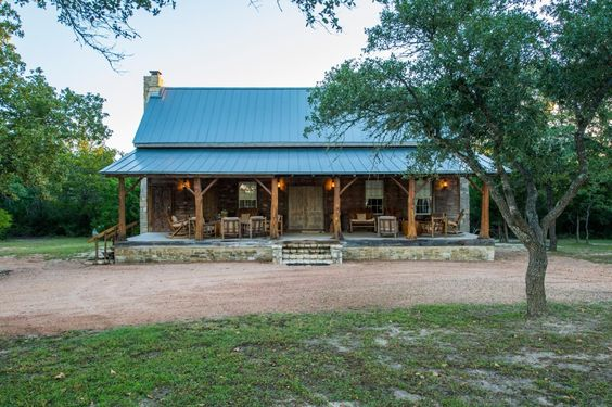 Nice the two and porches on pinterest for Log cabin ranch homes