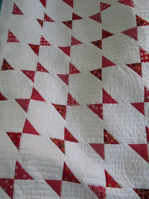 Red and White Vintage Quilt Pattern
