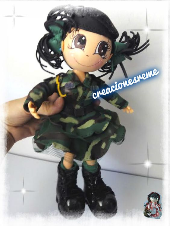 muñeca-goma-eva-personalizadas-ejercitodetierra-fofuchamilitar--España  Pareja de fofuchos de boda  fofucha militar  ejercito de tierra muñeca  muñeca militar #fofuchas #regalosboda #muñecostarta