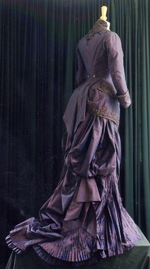 tournure - modern-made steampunk costume , naturalform dress- need for my wild women costume!: