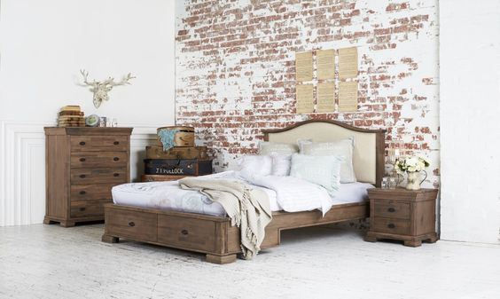 Woodbury bed suite vintage comfort with a modern twist for Table queens acacia