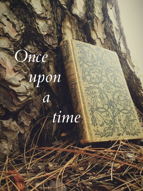 "We all have. "" once upon a time....."" In our lives even if we are not princes and princesses..... Aline ♥:"
