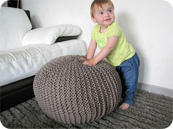 tuto pouf en hooked zpagetti trico trico pinterest crochet poufs et amour. Black Bedroom Furniture Sets. Home Design Ideas
