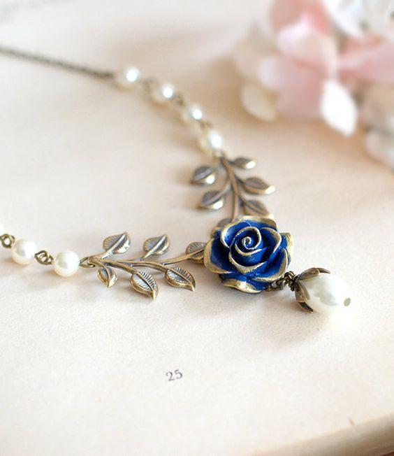 Flor de Rosa Marina azul oscuro bronce hoja rama marfil crema perla collar de…