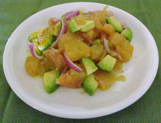 Grapefruit, avocado, and red onion salad with lime viniagrette